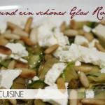 Einfache Antipasti: Zucchini mit Schafskäse und Pinienkernen