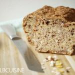 Müsli-Brot – für Faulpelze, lässt sich wunderbar beim Tatort backen!