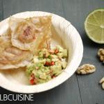 Goldene Walnuss-Kissen mit Avocado-Tartar für Kalifornien…