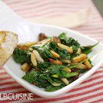 Vegetarische Tapas: Espinaca con pinones y pasas – Spinat mit Pinienkernen und Rosinen