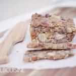 Körner-Brot aus der deli – mit nur vier Zutaten ohne Mehl ganz schnell selbst gemacht!