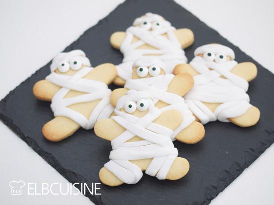 Lustige Mumien für Halloween: Vanille-Kekse mit Fondant-Bandagen!