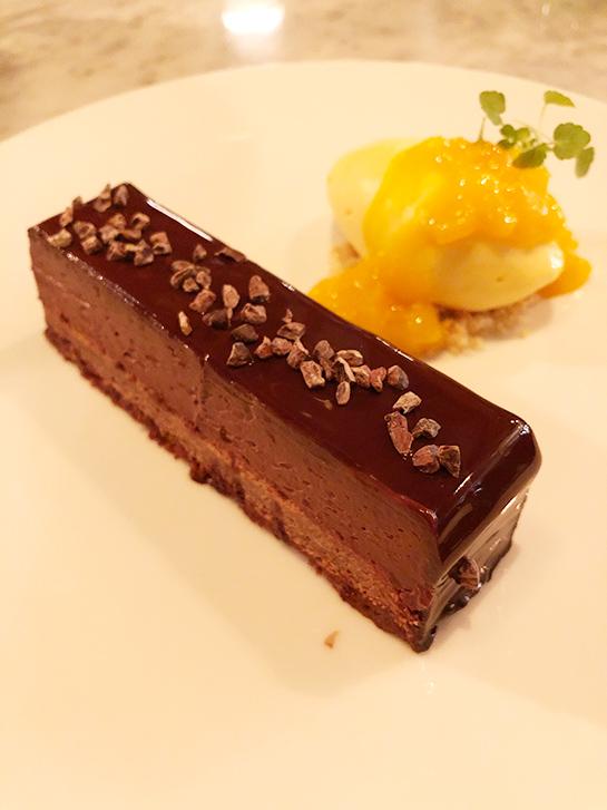 Hotel TORTUE Brasserie Dessert